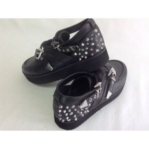 Qupid Women's Shoes Black Studs Buckles Oxfords
